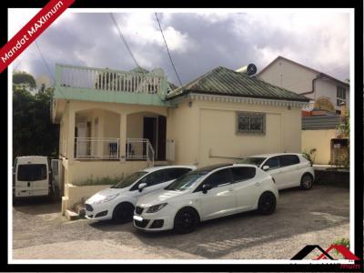 Maison Le Tampon 6 pièce (s) 200 m²