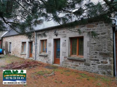 Maison et 2 gîtes à Plesidy - 230 m² - 254 000 euros
