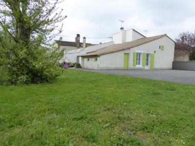 Maison St Hilaire La Palud