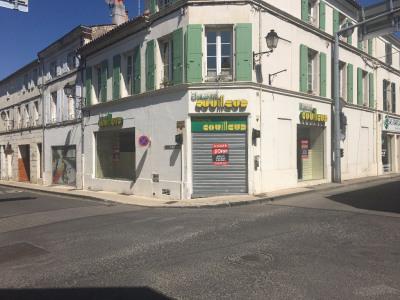 Local commercial Surgeres 4 pièce (s) 370 m²