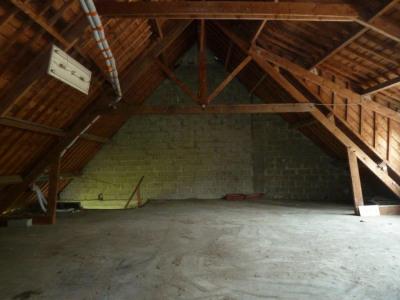 Immeuble possibilité habitations ou commerce