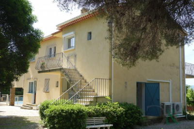 Aiguebelle 4 apartments for sale in villa with swimming pool