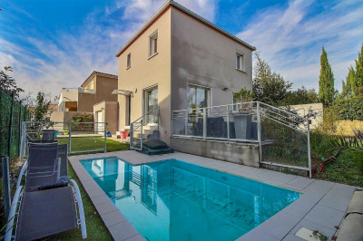 Manduel villa de 2014 de 92m² sur 320m² de terrain avec pisicne