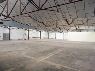 ENTREPOT LA RENAUDIERE - 1267 m2