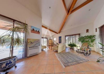 Spacieuse Villa 6 pièce (s) 170 m²