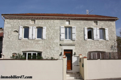 Maison de village lacepede - 5 pièces - 125 m²