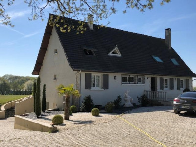 Maison ste geneviève - 9 pièce (s) - 220 m²