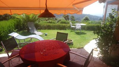T3 avec jardin dans résidence avec piscine