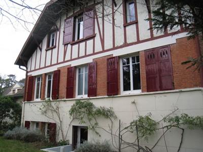Maison Le Vesinet 9 pièce(s) 200 m2