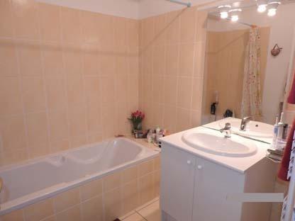 Rental apartment Bourgoin jallieu 605€ CC - Picture 3