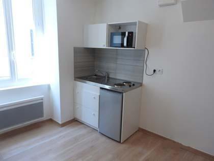 Rental apartment Bourgoin jallieu 280€ CC - Picture 2