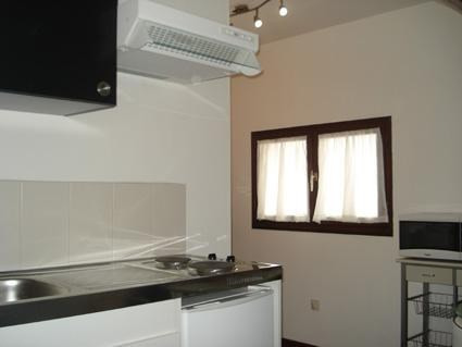 Rental apartment L isle d'abeau 395€ CC - Picture 1