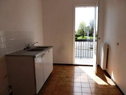 Rental apartment Maurepas 745€ CC - Picture 2