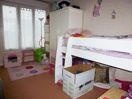 Rental apartment Montigny le bretonneux 996€ CC - Picture 3