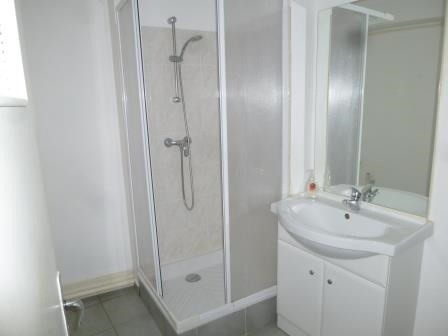 Rental apartment St genis laval 586€ CC - Picture 3
