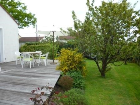 Vacation rental house / villa Saint-michel-chef-chef 617€ - Picture 2