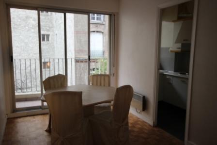 Location appartement Paris 17ème 1045€ CC - Photo 1