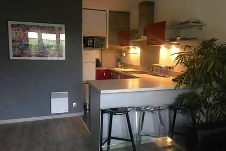 Vente appartement Suresnes 330000€ - Photo 2