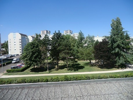 Location appartement Chalon sur saone 408€ CC - Photo 2