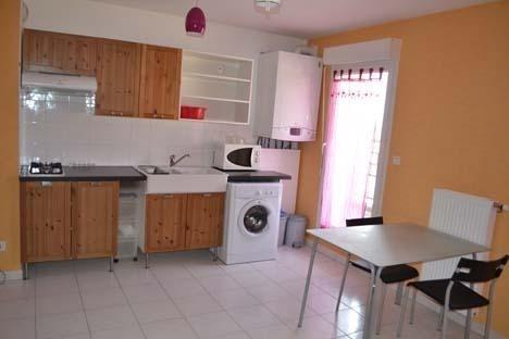 Rental apartment Bourgoin jallieu 445€ CC - Picture 1
