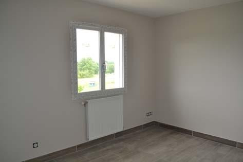 Rental house / villa Chateauvilain 875€ CC - Picture 4