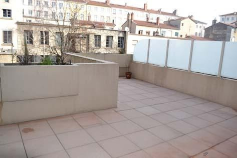 Rental apartment Lyon 4ème 738€ CC - Picture 1