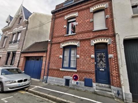 Sale house / villa Bethune 199000€ - Picture 1