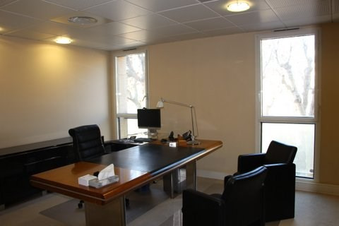 Rental office Aix en provence 7 500€ CC - Picture 2