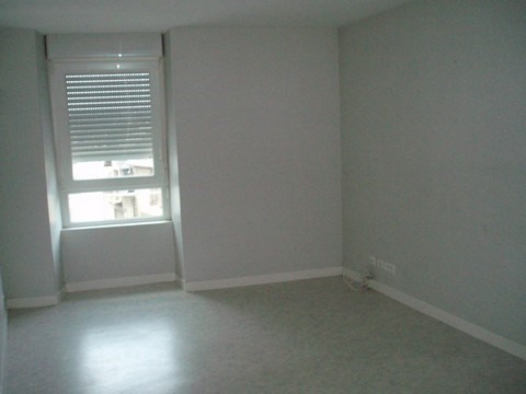 Rental apartment Pontivy 227€ CC - Picture 1
