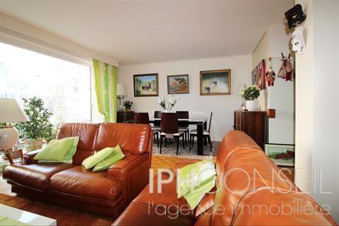 Appartement NEUILLY SUR SEINE - 5 pièce (s) - 110 m²
