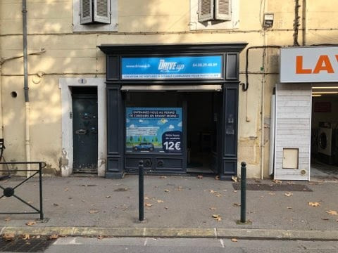 Rental shop Aix en provence 656€ CC - Picture 2