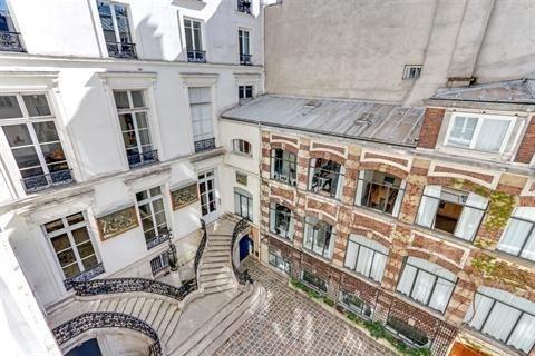 Sale apartment Paris 3ème 890000€ - Picture 1