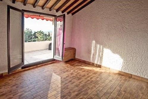 Sale apartment Cogolin 315000€ - Picture 8