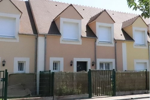 Location maison / villa Bu 920€ CC - Photo 1