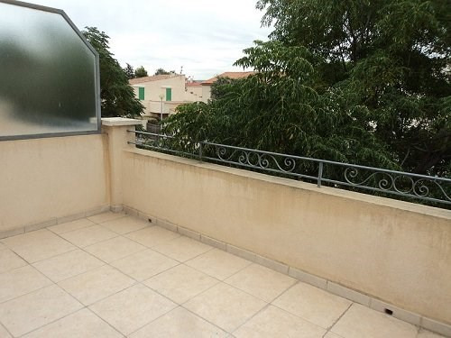 Location appartement Marignane 699€ CC - Photo 1