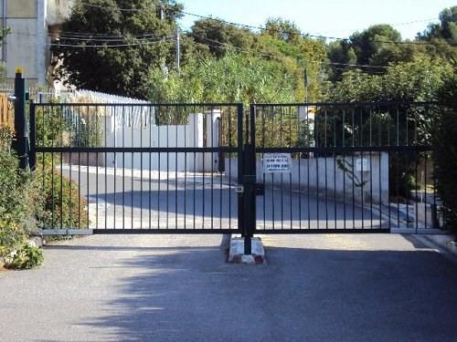 Rental parking spaces Martigues 110€ CC - Picture 2