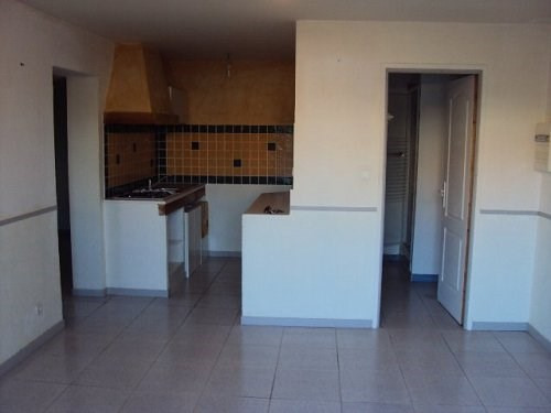 Location appartement Marignane 696€ CC - Photo 1