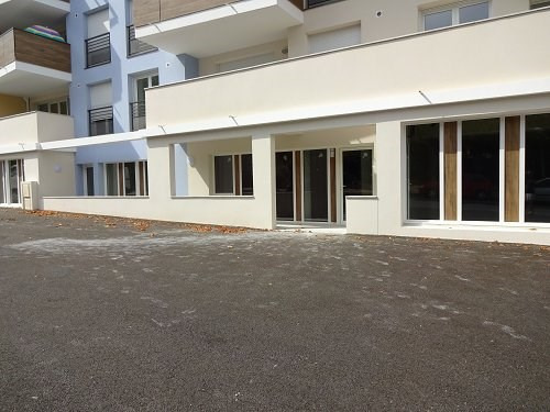 Rental empty room/storage Martigues 856€ CC - Picture 2
