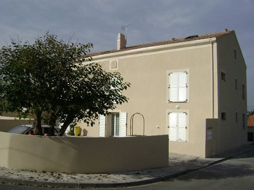 Rental apartment Chateauneuf les martigue 830€ CC - Picture 1