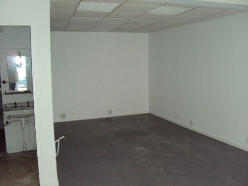 Rental empty room/storage Martigues 368€ CC - Picture 3