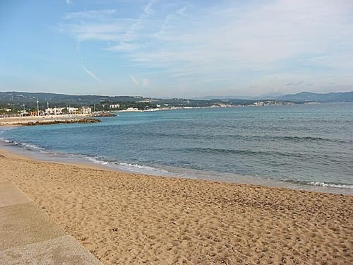Sale empty room/storage La ciotat 450 000€ - Picture 1