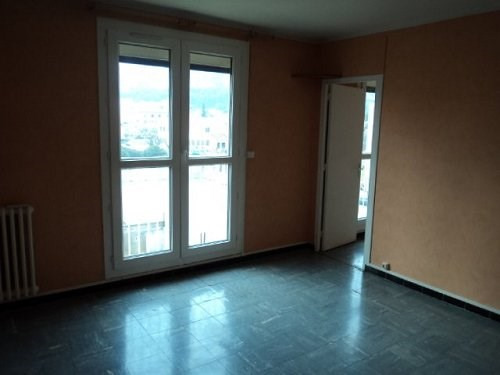 Rental apartment Chateauneuf les martigue 740€ CC - Picture 1