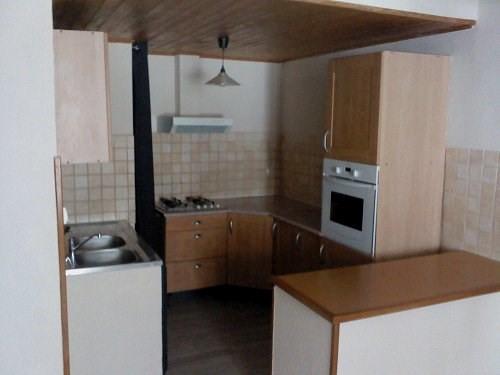 Rental apartment St mitre les remparts 630€ CC - Picture 1