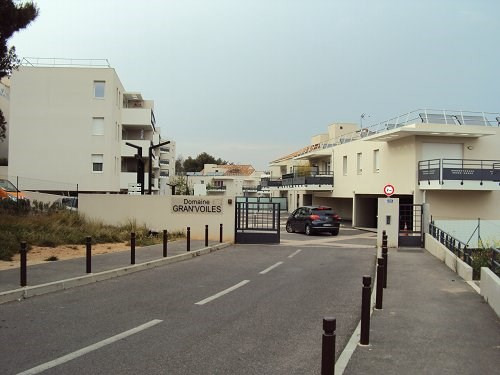 Rental apartment Martigues 1 208€ CC - Picture 1