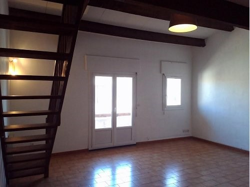Rental apartment St mitre les remparts 692€ CC - Picture 3