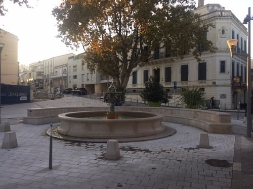 Location local commercial Martigues 550€ CC - Photo 2