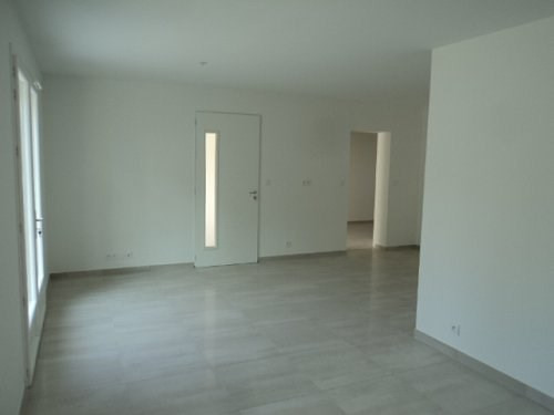 Location maison / villa Marignane 1 100€ CC - Photo 3