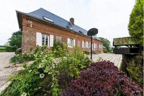 Sale house / villa Auffay 399000€ - Picture 1