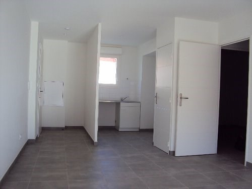 Location appartement Istres 810€ CC - Photo 3