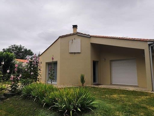 Deluxe sale house / villa Matha 232000€ - Picture 1